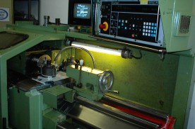 EEN-320 / Hunor CNC turning machine